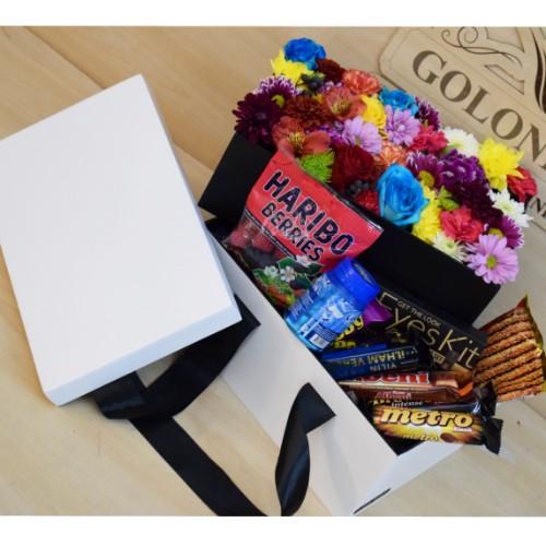 باکس سورپرایزی با گلهای فصلی و شکلات